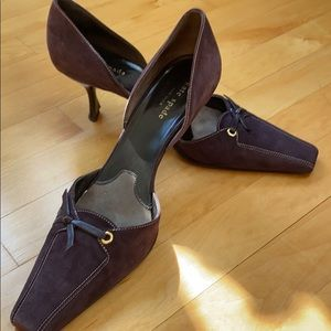 Darling Kate Spade plum, kitten heeled pumps. 9.5
